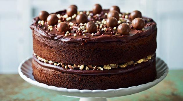 Love Maltesers? You're not alone! Take a look at these amazing Maltesers recipes including pancakes, unbelievable brownies, cheesecakes and more!