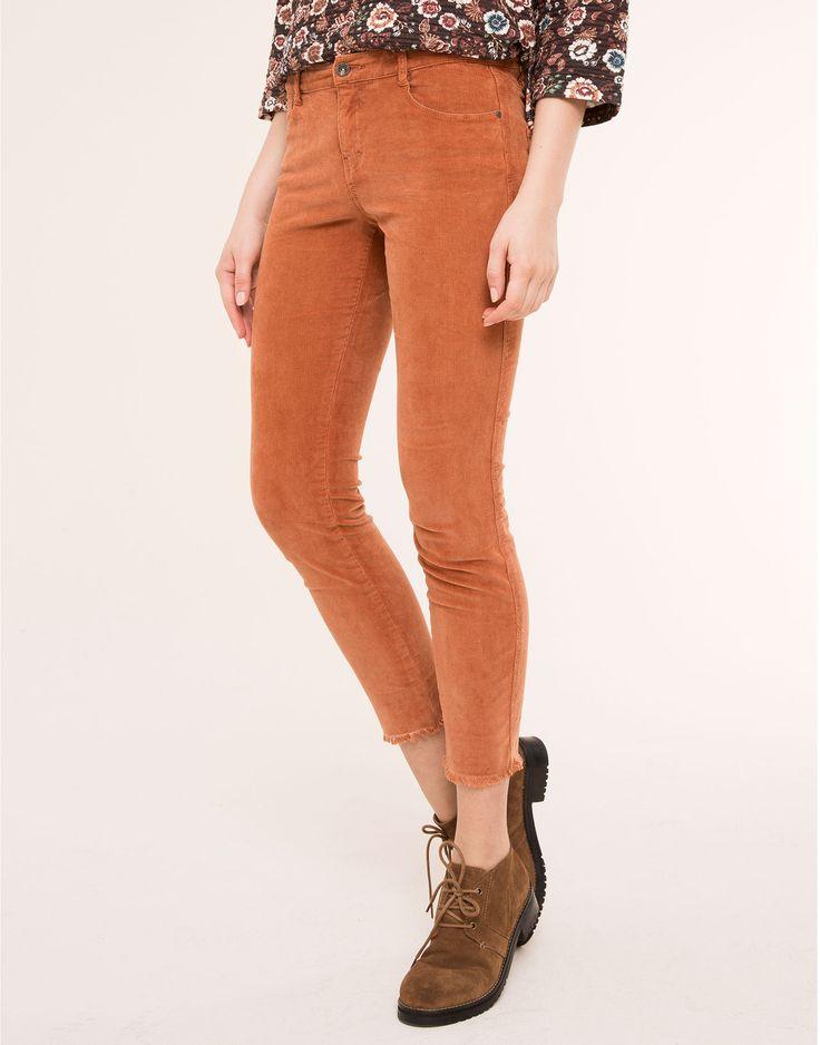 pantalon 5 poches velours c tel pantalons femme pull bear france damn i want you. Black Bedroom Furniture Sets. Home Design Ideas