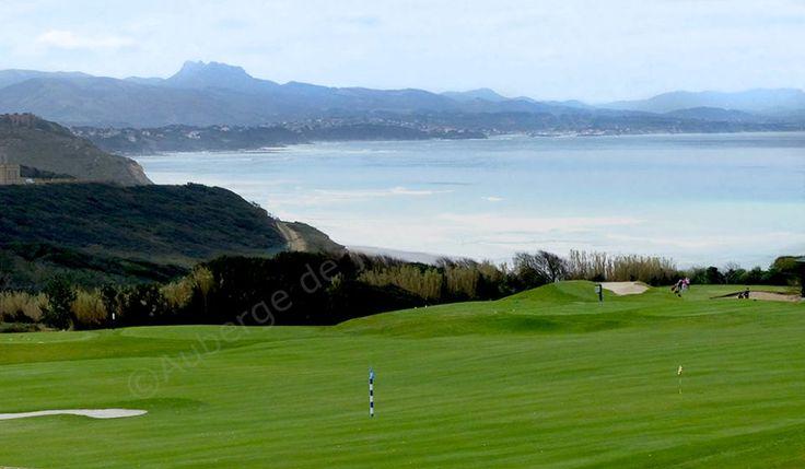 Golf d'Ilbarritz, à 20 minutes à pieds de l' Auberge de jeunesse de Biarritz #aubergedejeunessehibiarritz #biarritz #biarritzpaysbasque #hifrance #hostellinginternational #golfilbarritz