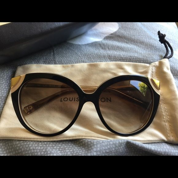 Brand new Louis Vuitton Amber sunglasses Louis Vuitton Amber in brown only sold in Italy Louis Vuitton Accessories Sunglasses