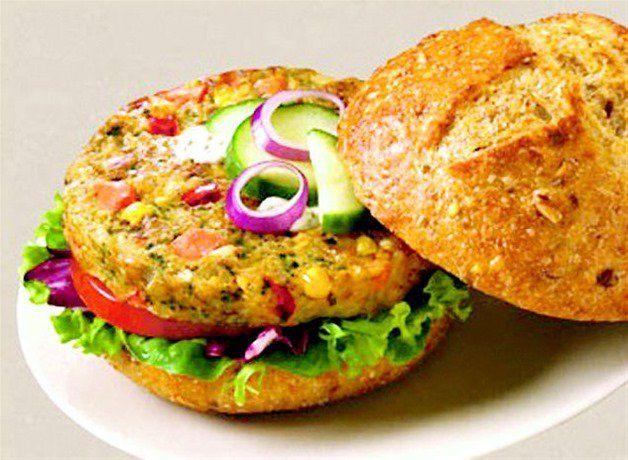 Descubre estas deliciosas recetas de hamburguesas veganas para saciar esa tentación prohibida que te acecha.
