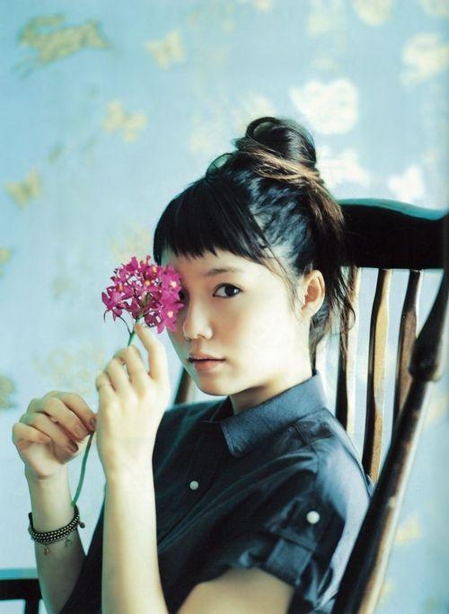 #Aoi Miyazaki #japanese actress #fashion #hair #flower