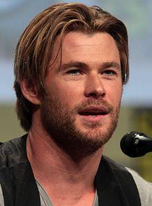 Chris Hemsworth SDCC 2014 (cropped).jpg
