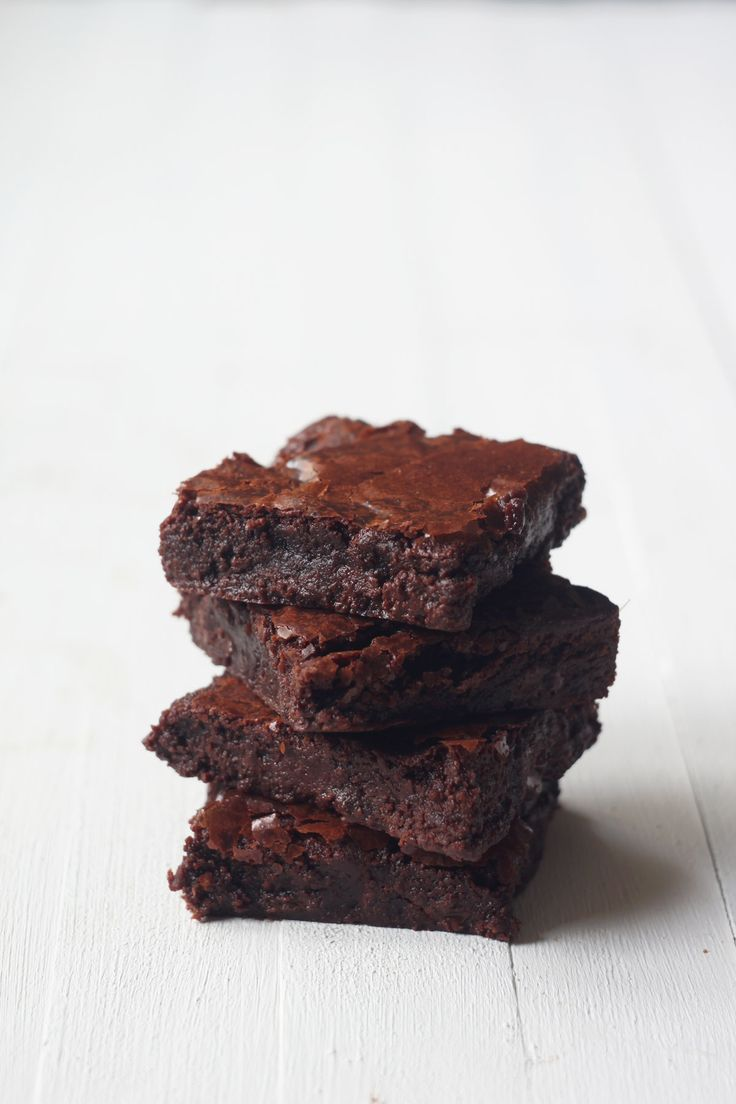 fudgy chocolate browniesSinful Fudgy, Fudgy Chocolates Brownies, Food ...