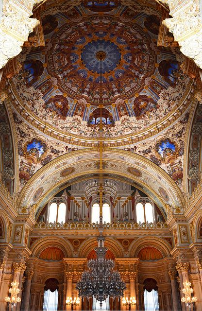 Chandelier, Dolmabahçe Palace, Istanbul, Turkey