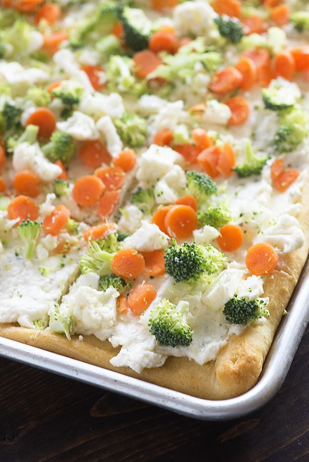 Okay, look. I'm aware that this recipe has been floating all over the dang internet for years now, but the thing is…I had never tried it. I mean, cold veggie pizza? That sounds nasty, right? First – it's cold. Second, it's vegetables. I realize that, as a responsible adult, it's my job to eat vegetables …