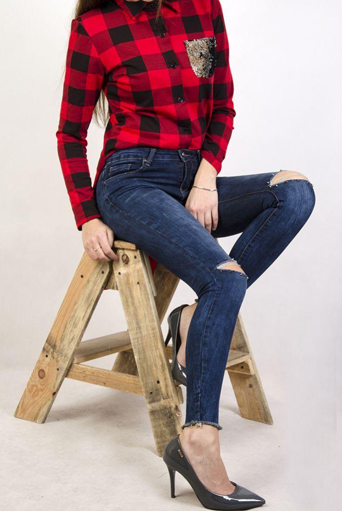 Spodnie jeansowe z rozcięciami i ćwiekami
