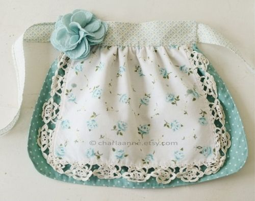 cute: Diy Kids Aprons, Idea, Little Girls Aprons, Vintage Aprons For Kids, Cute Aprons, Child Aprons, Aprons Patterns, French Knot, Sewing Aprons