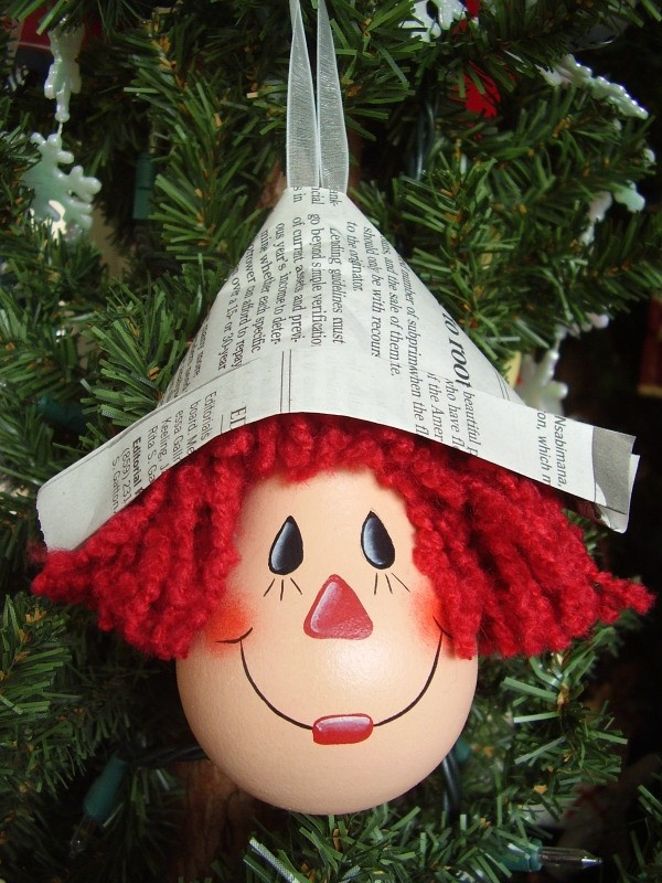 Raggedy Andy lightbulb ornament
