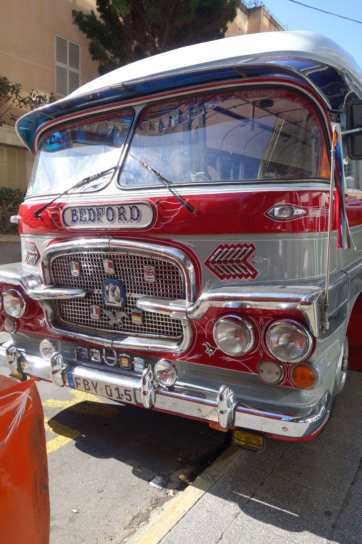 Malta, Bedford bus