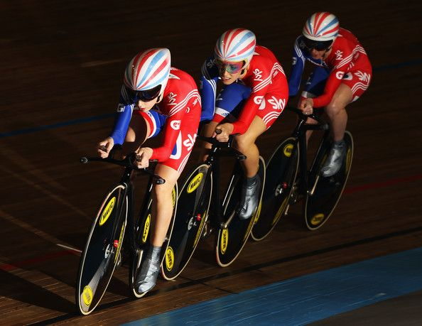 Laura Trott Photos - Laura Trott of Great Britain leads the GB team in the Women's Team Pursuit during day two of the UCI Track World…