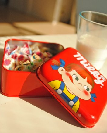 Japanese Milky Candy (by oh my omiyage)