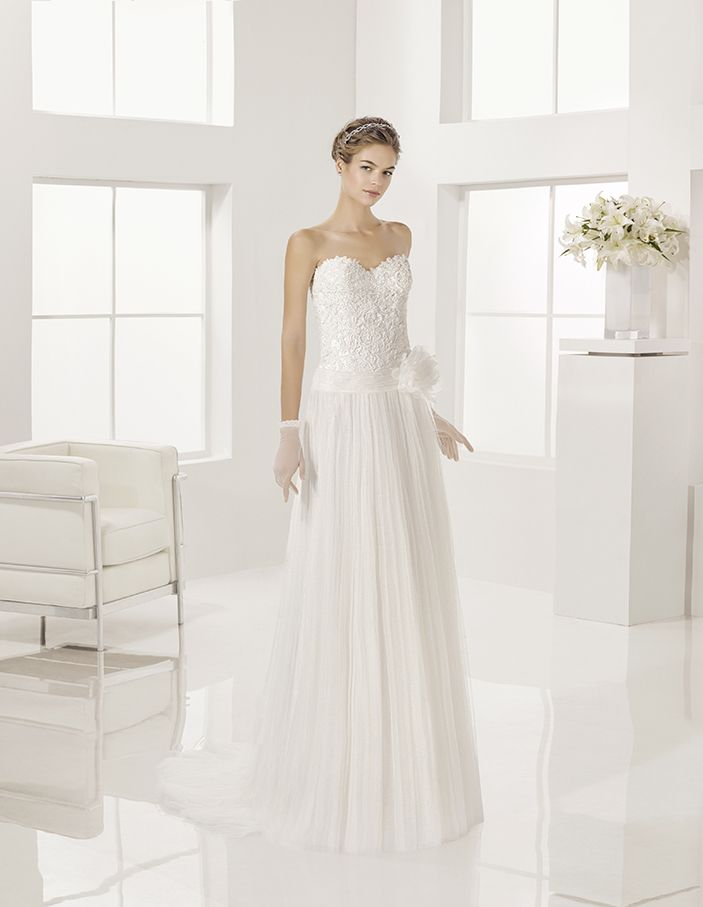 Grace - Beaded soft tulle and guipure lace dress, in natural.