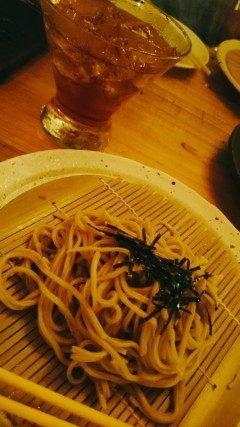 福岡市中央区大名にある博多 炎仁にてゆったりとしたオトナ女子の時間を過ごしてきました  牛そぼろとゴボウのポテトサラダやお刺身お出汁がきいた唐揚げ天ぷら等どれも本当に美味しくてお酒に合うものばかり  コースのシメにざるそばが出できたのもちょっと感動 お米もデザートも要らない感じだったから余計に美味しかった  お店の方がすごく感じよくて雰囲気もよくて丁寧な接客を受けるとまた来たいなと思うものですね(-) うんまた行こう  福岡市中央区大名1-9-5 フロンティア大名2F  #福岡 #大名 #海鮮 #飲み放題 #博多炎仁 #車海老 #踊り食い #美味しい #また行きたい #ごちそうさま  tags[福岡県]