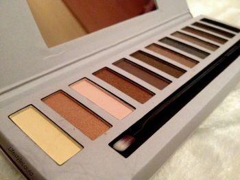 Kyra Silky eyeshadow palette nude 02