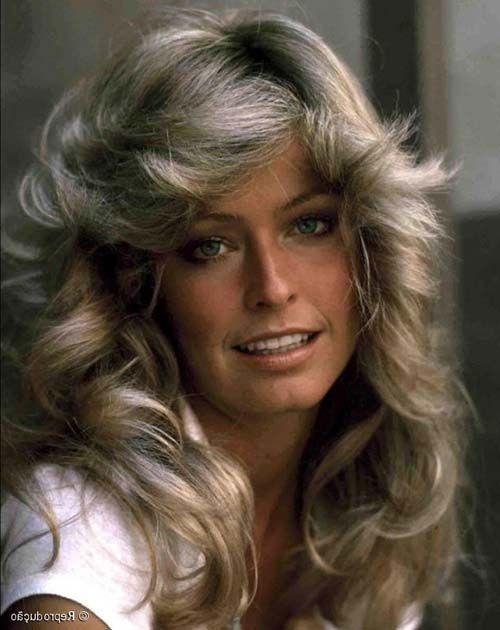 Quer renovar o estilo? Que tal reviver os #cabelosanos80? Veja 20 lindos cabelos anos 80 http://salaovirtual.org/cabelos-anos-80/ #cortefeminino #cabelosfemininos #salaovirtual