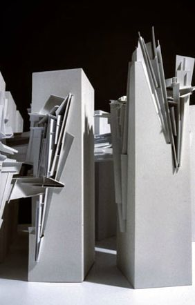 Lebbeus Woods : Nine Reconstructed Boxes (1999)