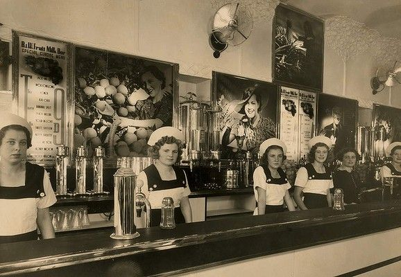 The Black and White Milk Bar on the corner of Crown and Keira streets in Wollongong, NSW, 1937.