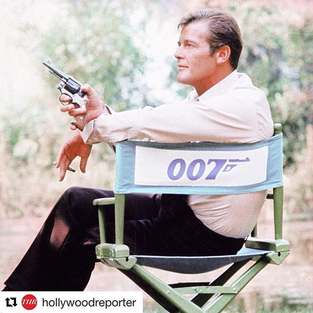 """filmarks_official """"007""""シリーズで3代目ジェームズ・ボンドを演じた、ロジャ・ームーアさんがご逝去されました。心よりご冥福をお祈りいたします。 ・・・ Repost by @hollywoodreporter ・・・ Rest in peace, 007. Roger Moore, who played James Bond the longest, has passed away at age 89. 
