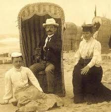 Znalezione obrazy dla zapytania kosze do siedzenia nad morzem