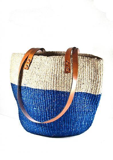 White and blue sisal bag