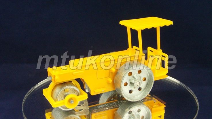 TOMICA 61 KAWASAKI HEAVY INDUSTRY ROAD ROLLER | 1/77 | JAPAN | 061A-02 | B-ARM