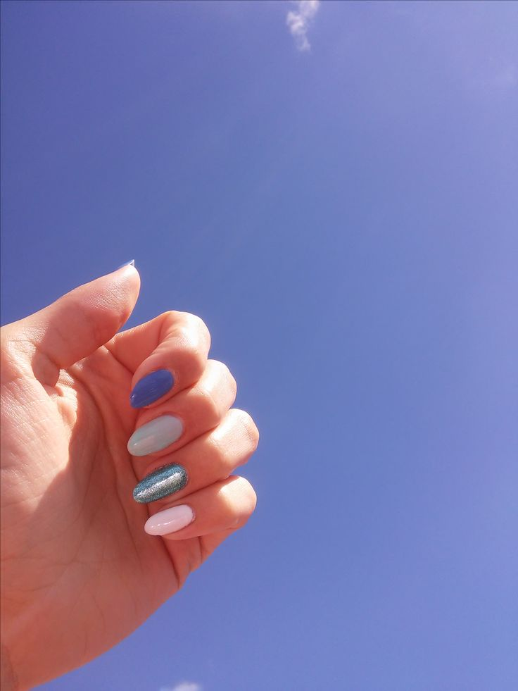 Semilac, nails blue and white sea blue sky, summer nails