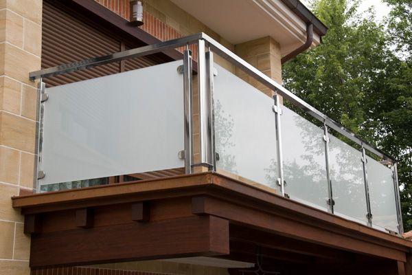 1000 ideas about escaleras de acero on pinterest - Barandillas de cristal para terrazas ...