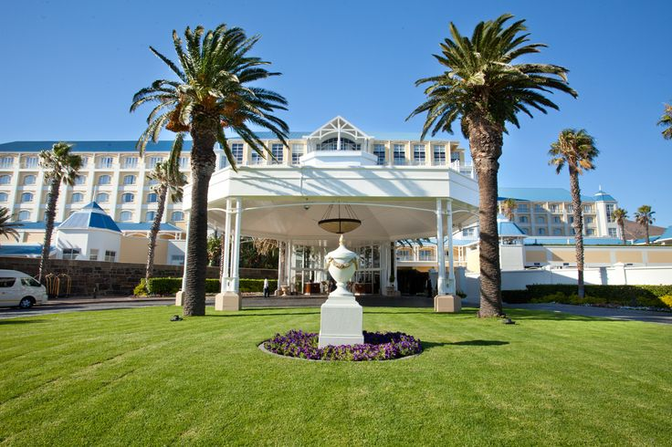 Checking In to the Table Bay Hotel in Cape Town