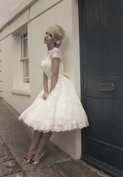 New White Ivory Tea Length Short Vintage Lace Wedding Dress