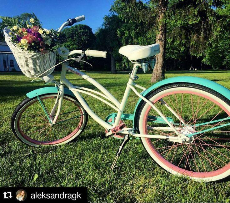 Bicicleta urbana  Repost @aleksandragk ・・・ My new baby  lovely gift #plumbike  #my #new #love  #birthdaygift  #handmade . Ręczne wykonanie, pełna staranność , każdy może dobrać kolorystykę z olbrzymiej palety barw  #bike #star #bikeworld #mypony #bikelove #bikestagram #favoritebike #bicicleta #regalo #cumpleaños #buenasnoches #instamood #fashion #picoftheday #loveit #g