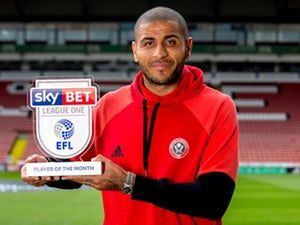 Sheffield United striker Leon Clarke signs new contract