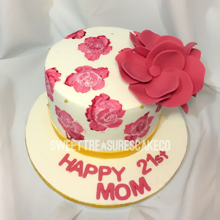 When mom is just as #cool as #you. Made this #chocolate #cake. Covered with #hand #painted #roses topped with a small #bouquet of #flowers. #joburg #sweettreasurescakeco #sweettreasures #southafrica #customcakes