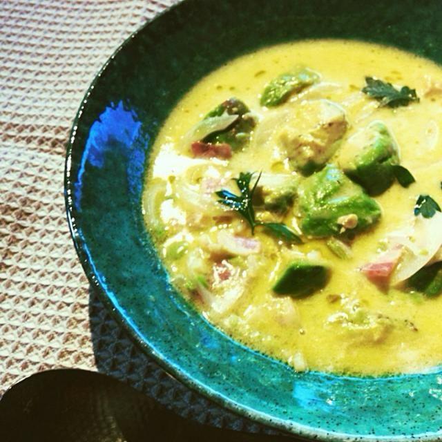 今日は簡単、栄養満点のアボカドスープにしてみました☆ 今まで何度も作ってたけど初投稿〜♡ 大活躍スープです - 155件のもぐもぐ - romieさんの料理 にんにくアボカドスープ☆ショートパスタ入り by maorin78