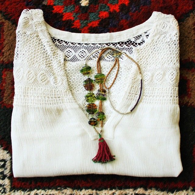 We love colours! #bohemianstyle #bohemianfashion #anatoliangirls #blogger #bohemeboutique #instablogger #gift #jewellery #glassbead #hediye #handmade #necklace #special #design #turkishdelight #ankara #green #fashion #boho #bloggerstyle #bohochic #bohostyle #followfriday #jewelrygram #cool #fashionista