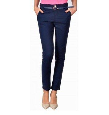 Oferta Pantaloni casual bleumarin conici din bumbac 8526BM | Pantaloni femei Pantaloni casual bleumarin conici din bumbac 8526BM, model din colectia La Femme 2016. Alege culoarea preferata din colectia noua La Famme! LAFEMME.RO Similare