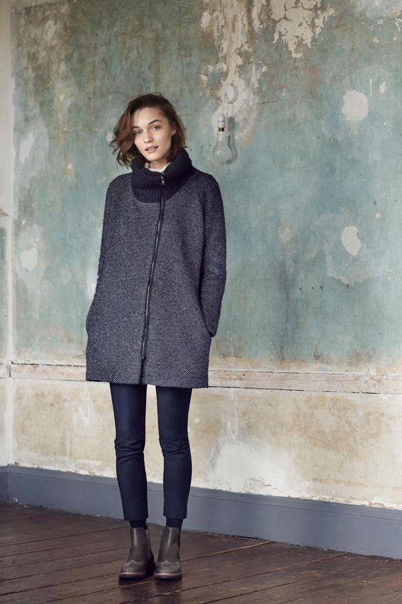 BUGATTI AUTUMN/WINTER 2016 | Cozy and clean... #bugattifashion #womenswear #knitwear #grey #coat