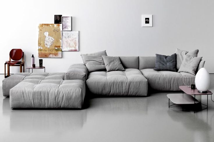 Pixel Sofa features a series of elements that can be freely combined, and allows for the bases to form endless new arrangements.