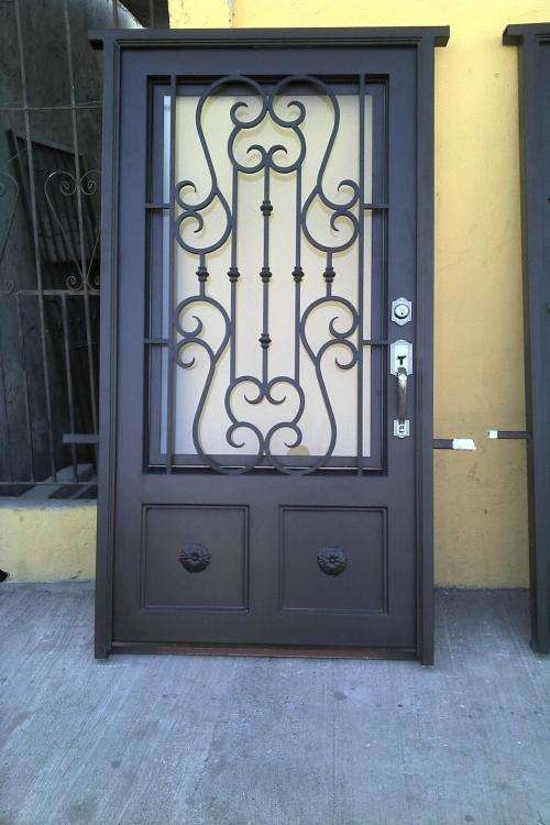 698 best images about puertas y ventanas on pinterest for Puerta de herreria