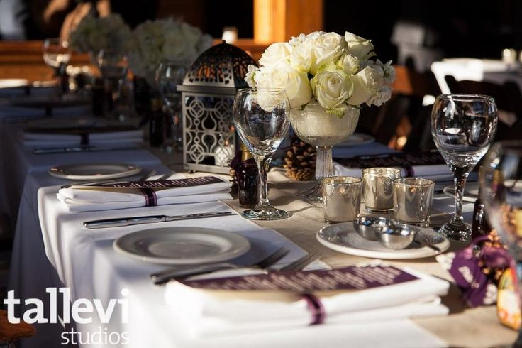 Vintage chic winter wedding decor #winterwedding