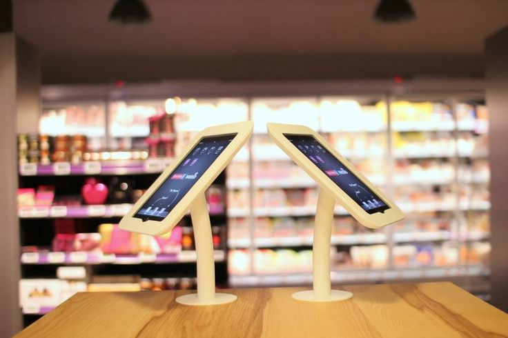 MONOPRIX - iPads for customer entertainment and using the MONOPRIX apps