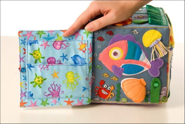 Пошился  у  меня  очередной  кубик  развивашка  для  маленькой  девочки   Анюты.  Даже,  не  совсем  кубик,  а  кубик-книжка)  с  которым  будет  и...