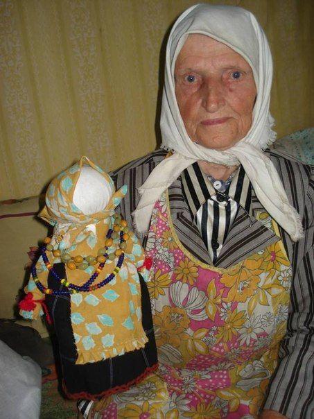 Бабушка и её оберег.