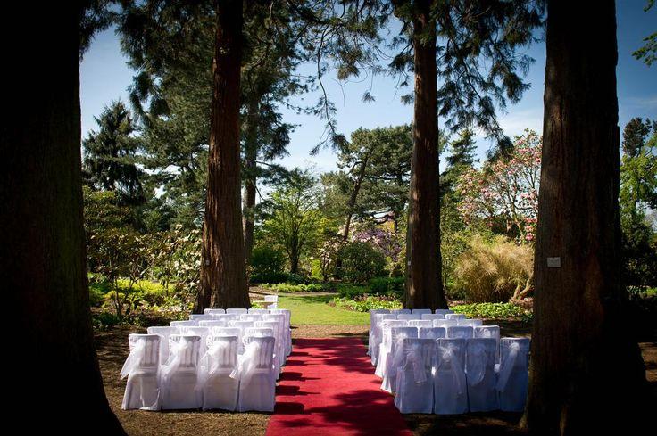 The Royal Botanic Garden Edinburgh is a lovely and unusual wedding venue in Edinburgh, City of Edinburgh, Scotland.  #EdinburghWeddingVenues #ScotlandWeddingVenues #WeddingVenuesCityofEdinburgh