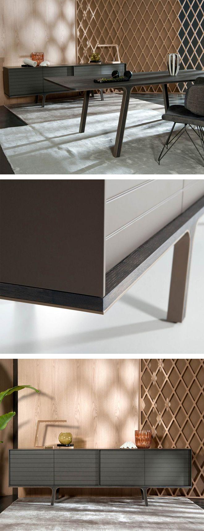 Die Türen beim Mobius Sideboard von al2 werden ohne Griffe durch einen leichten Druck auf die Front geöffnet. #Sideboard #Anrichte #Livarea #Wohnzimmer #livingroom #bedroom #Schlafzimmer #Esszimmer #diningroom #inspiration #interiordesign #interiordecorating #home #wohnen #einrichten #Designmöbel #modern #minimalistisch #Trend #wohntrend #wohnstil #Al2