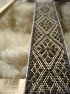 tablet-weaving-brocade-1