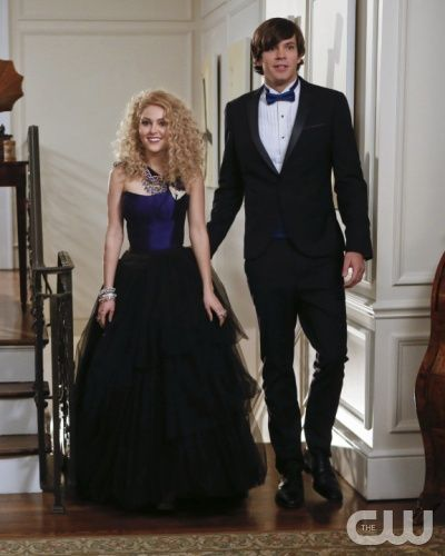 """The Carrie Diaries -- """"Dangerous Territory"""" -- Pictured (L-R): AnnaSophia Robb as Carrie and Richard Kohnke as George -- Photo: Craig Blankenhorn/The CW -- 2013 The CW Network, LLC. All rights reserved."""