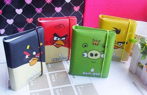 Simpan berbagai jenis kartu Anda dengan Angry Bird Card Holder. Produk ini memiliki banyak sekat yang bisa dipakai untuk menyimpan berbagai kartu dari mulai ATM, kartu member atau mungkin kartu nama relasi HANYA Rp15.000 #panoramagroup