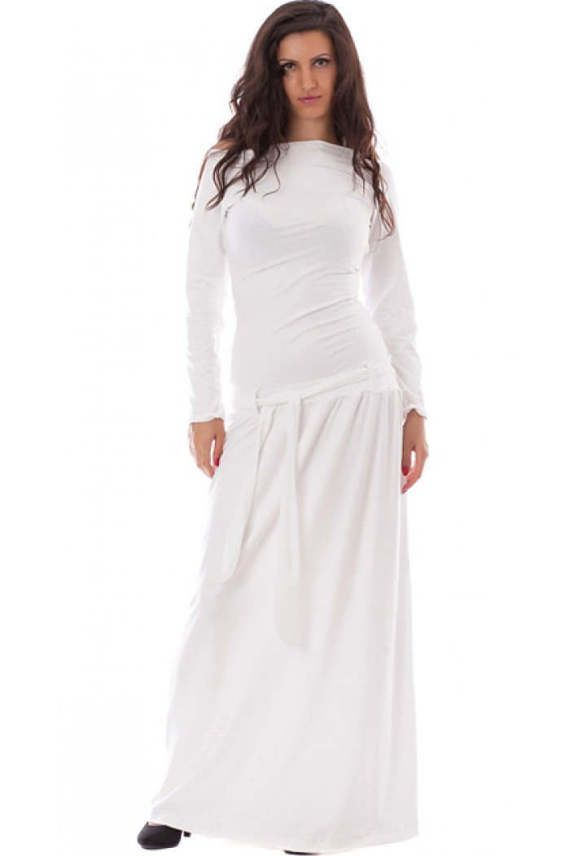 White jersey dress. The dress comes with a jersey belt in the same color.