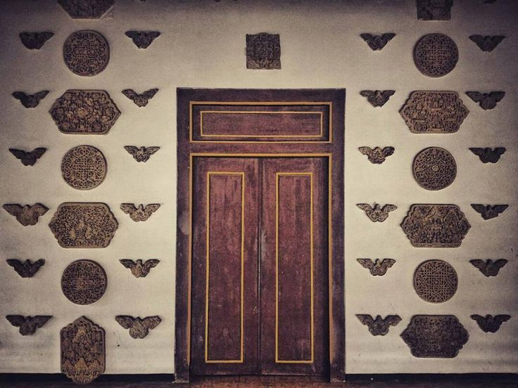 Peninggalan Ratu Kalinyamat & Sunan Hadlirin.  Lokasi: Masjid Mantingan Foto: @erbe_junior  #masjidmantingan #ratukalinyamat #exploremantingan #pesonatahunan #visitjepara #visitjateng #masjidnusantara